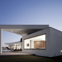 * Residential Architecture: House Colunata by Mario Martins